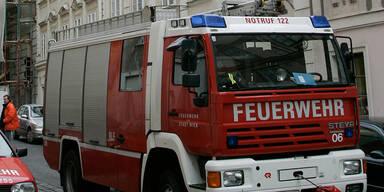 Feuerwehr kämpft in Baden gegen Flammenmeer