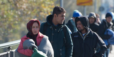 Flüchtlinge: Salzburgs Notquartiere voll