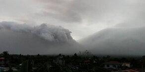 Vulkanausbruch droht: 12.000 auf Flucht
