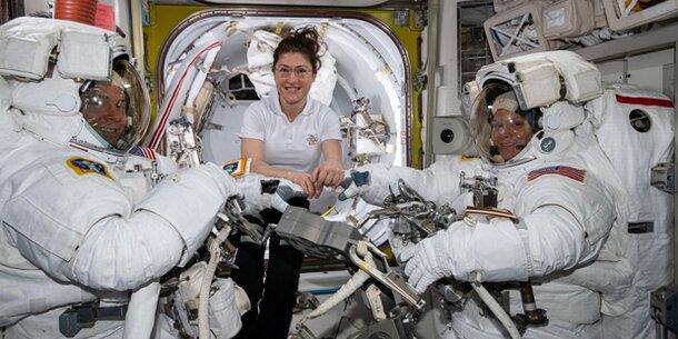 Kleider-Panne verhindert historischen Weltraum-Einsatz