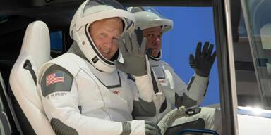 SpaceX Falcon Rakete Astronauten Robert Behnken und Douglas Hurley