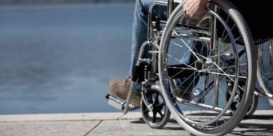 Rollstuhl wegen Hitze: MS-Kranker klagt Staat Österreich