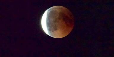 Die Mondfinsternis in ihrer Pracht