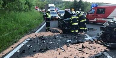 Fünfjähriges Mädchen bei Autounfall getötet