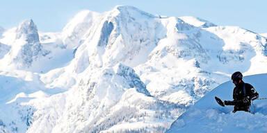 Schneemassen Winter Rekordwinter Eingeschneit