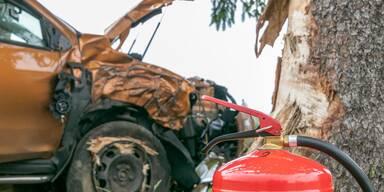 Mehrere Verletzte nach Kollision zweier Pkw
