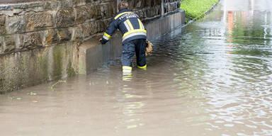 Überflutungen Feuerwehr Krems Unwetter