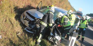 Nach Unfall: Auto-Lenker drehten auf Autobahn um