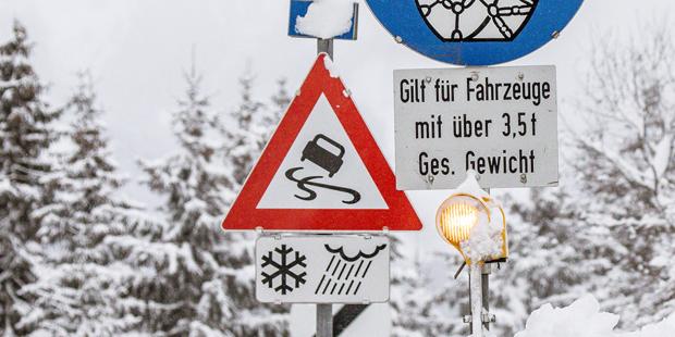 Winter Schnee Glatteis Schleudern