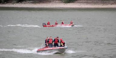 Feuerwehr Boot Donau
