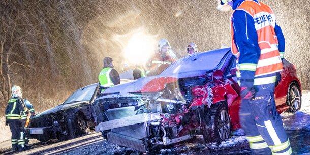 Schnee-Chaos sorgt für zahlreiche Unfälle