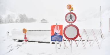 Winterwetter Lawinengefahr Schnee Schneemassen Rekordwinter