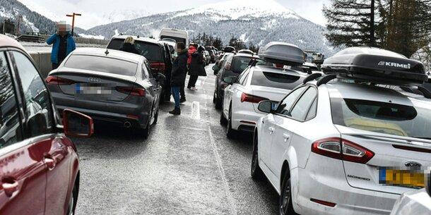Brenner Hunderte Saßen über Nacht Auf Autobahn Fest Wetterat