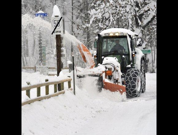 Schnee Sorgt Für Sperren Und Unfälle Wetterat