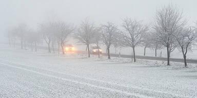 Wetter Winter Schnee Verkehr Nebel
