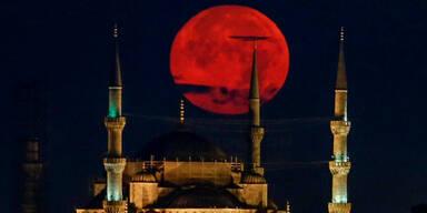 Blutmond Istanbul