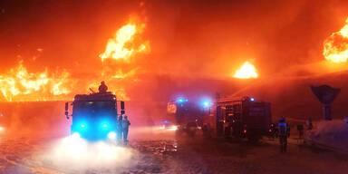 Tirol: Flammeninferno bei Brand in Motoradmuseum