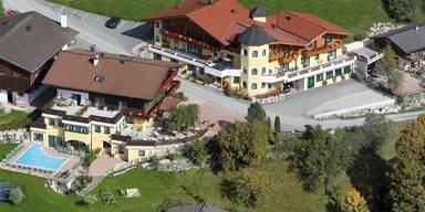 Egger - das Bauernhofhotel Saalbach.jpg