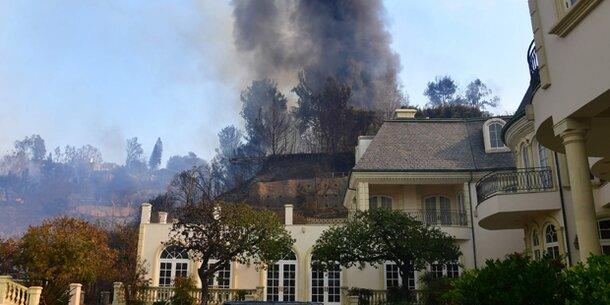 Feuerhölle bedroht Luxusvillen von L.A.