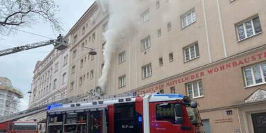 Wiener flüchtet vor Feuer aufs Fensterbrett – gerettet