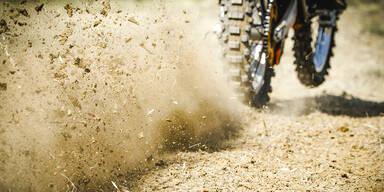 Oberösterreicher stirbt bei Motorrad-Offroad-Bewerb