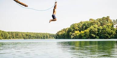 See springen Baden Mann