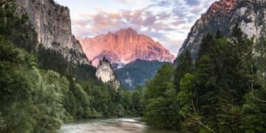 Nationalpark Gesäuse Berge und Fluss