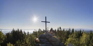 Gipfelkreuz im Böhmerwald