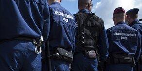 Sturm riss in Ungarn Gefängnistor aus Angeln