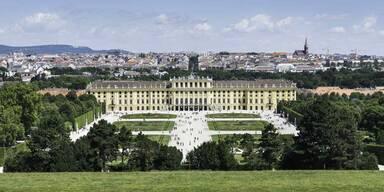 GettyImages-520755705_Schönbrunn mit Garten.jpg