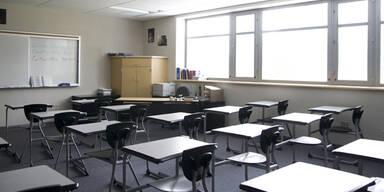 14-Jähriger bedroht Mitschüler mit einem Messer