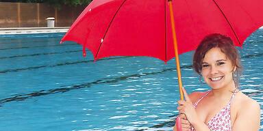Wetter Sonne Gewitter Sommer Kühl Schwimmbad Freibad Bikini