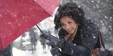 Regen Schnee Wetter Schirm Sturm Winter
