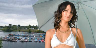 Wetter Herbst Sommer Regen Wolken Frau Regenschirm Bikini