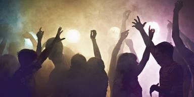 Corona-Party: Gäste versteckten sich im Schlafzimmer