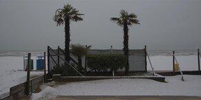 Schnee am Strand? Jesolo eingeschneit