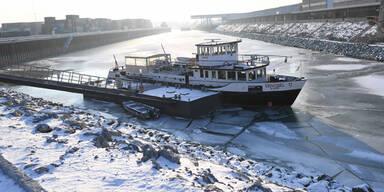 Kälte Donau zugefroren