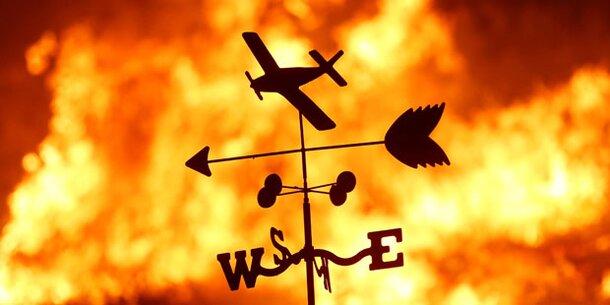 Zehntausende fliehen vor Buschbränden