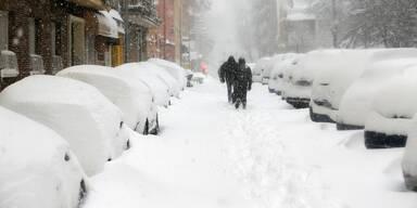 Schon drei Tote: Spanien versinkt im Schnee-Chaos