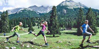 Seefeld - Tirol-CH - ADV - SL 1 - Wandern-im-Gaistal-zu-urigen-Almhütten - 610px