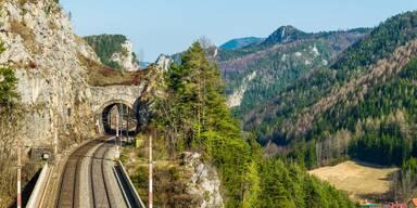 Semmeringbahn Tunnel.jpg