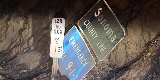 Sonoma County Straßenschild Feuer