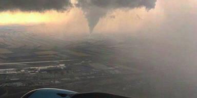 Tornado_AUA.jpg