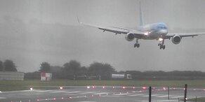Schock-Video: Sturm sorgt für Horror-Landung