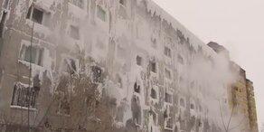 Ganzes Wohnhaus eingefroren: Familien gefangen