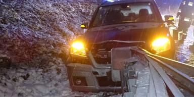 Gloggnitz S6 Unfall Schnee