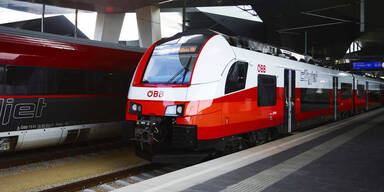 Eskalation im Zug: Masken-Verweigerer verprügeln Passagier