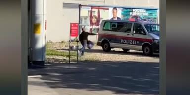 FPÖ Franz-Jonas-Platz Floridsdorf Polizeiauto beworfen