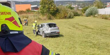 Pkw crasht mit Zug: Ehepaar stirbt bei Unfall-Drama in Eisenstadt