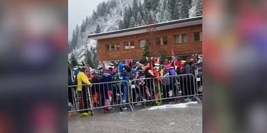 Kein Abstand: Corona-Alarm in Tiroler Skigebiet
